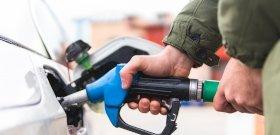 Rettenetes hírt kaptak az autósok, péntektől változások jönnek
