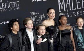 Angelina Jolie teljes mértékben ex férje, Brad Pitt ellen fordította gyermekeit