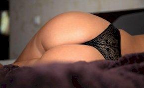 Az arcunkba nyomja brutál szexi hátsóját az orosz modell, Kate Kirienko