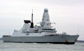 Elképesztően durva incidens a NATO és Oroszország között! Bombát dobott volna le Oroszország a brit Royal Navy hadihajóra?!