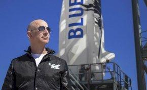 Lemondott a világ leggazdagabb embere: Jeff Bezos már nincs az Amazon élén