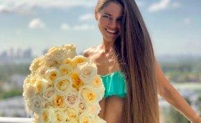 Így néz ki szexi bikiniben a világ egyik leghosszabb hajú modellje – válogatás
