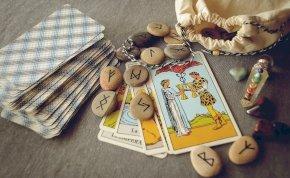 Válassz a 3 kártya közül és kiderül: honnan várhatsz segítséget? – napi jóslás