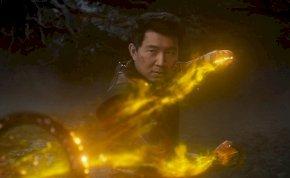 A Marvel-filmek egyik legocsmányabb főgonosza is visszatér a Shang-Chi új, magyar nyelvű előzetesében