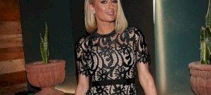 Na EZ az igazi luxus, nem a Ferrari! Paris Hilton akkorát urizált új főzőműsorában, hogy még Dagobert bácsi is megirigyelhetné!