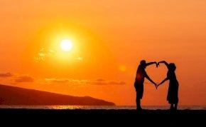 Válassz a 3 kártya közül és kiderül: ma rád talál a szerelem? – napi jóslás