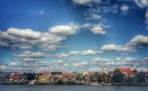 Csupán egyetlen magyar város őriz ilyen rejtett kincset, méghozzá Vác, egy kis utcában