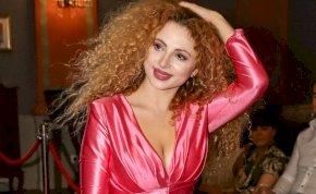 Opitz Barbi felismerhetetlen lett: leváltotta szőke frizuráját, új stílussal sokkolta rajongóit – fotó