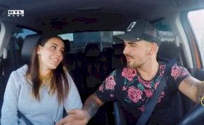 Házasodna a gazda: Vezetés közben kényeztette Gergő gazdát az egyik kiszemeltje – videó