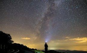 Napi horoszkóp: ne akarj beleragadni a szürke hétköznapokba!