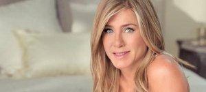 Teljesen széttárt combjaival vadít az 52 évesen is elképesztően szexi milf: Jennifer Aniston