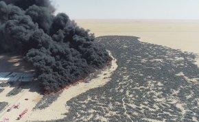 Hátborzongató fekete füst terítette be Kuvaitot, több millió gumiabroncs kapott lángra - videó