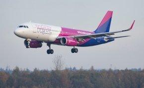 Kevésen múlt a katasztrófa Ferihegyen - a pilótát hősként ünnepelték a repülőn