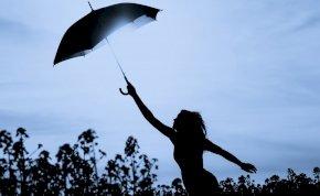 Időjárás: vasárnap rászakadhat az ég az ország egyik felére – mutatjuk a holnapi időjárást