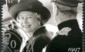 Nincs több titok! II. Erzsébet főszakácsa kitálalt, elmondta az egyik legféltettebb titkát, amire ti is nagyon kíváncsiak lehettek - különleges alapanyagtól lesz annyira omlós a kedvenc sütije!