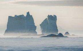Elképesztő felfedezés! Titokzatos képződményekre bukkantak a grönlandi jégtakaró alatt