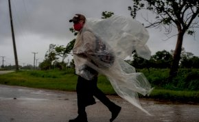 Borzalmas hírek érkeztek a tengerentúlról - Másfél évszázada nem látott erősségű, hatalmas hurrikán csaphat le Amerikára