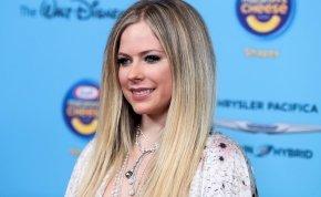 Avril Lavigne, Opitz Barbi, és Gabriela Spanic mellei is felrobbantották az internetet
