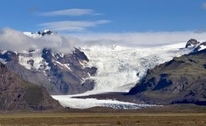 Döbbenetes károkat okoz a klímaváltozás - A legmagasabb svájci hegyből méterek tűntek el - videó