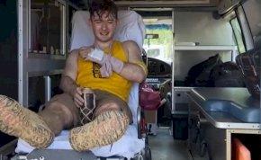 Survivor: Tomit kiröhögte az apja, miután eltörte a karját és kiesett
