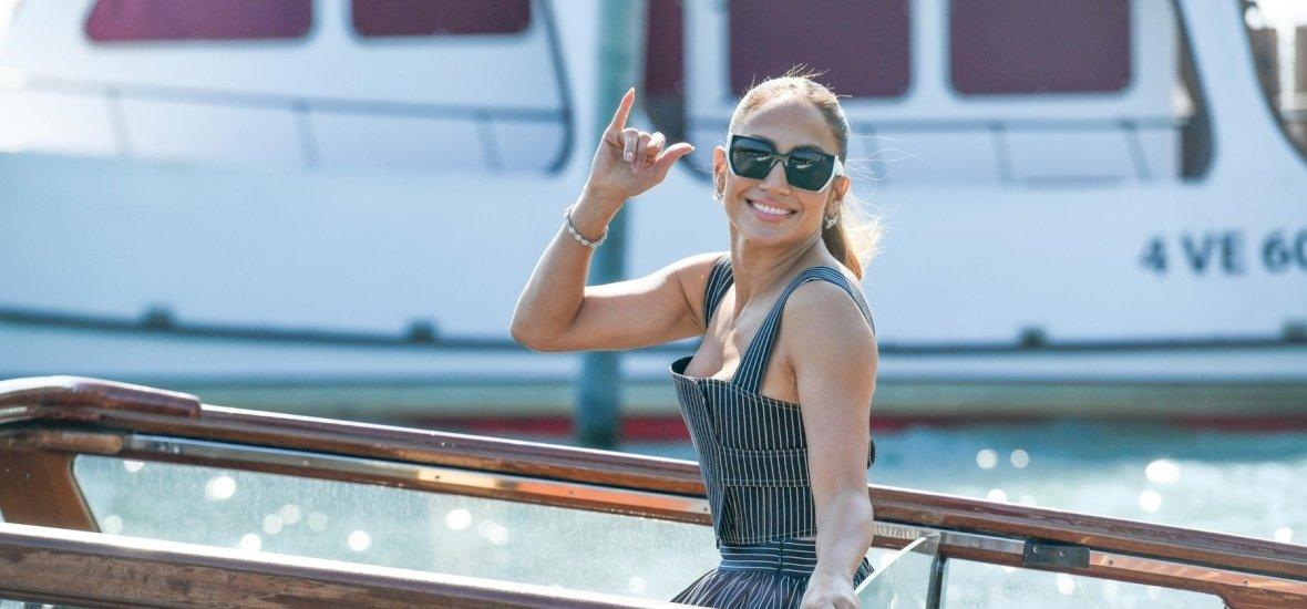 Jennifer Lopez bugyiját megtalálod a képen? Több millió ember ezt keresi már a hétvége óta, de egyelőre nincs meg