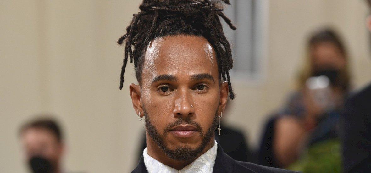 A rajongókat teljesen sokkolta Lewis Hamilton – oda is szúrtak neki páran