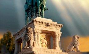 Ufó maradványainak hitték a magyarok legféltettebb kincsét? Egy magyar földönkívülis legenda, amelyről még biztos, hogy nem hallottál