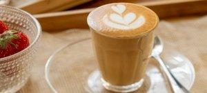 Egy népszerű orvos szerint nagy hiba rögtön kávéval indítani a napot
