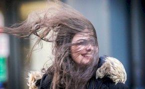 Időjárás: viharos szél csap le pénteken – mutatjuk, hogy hol kell rá számítani