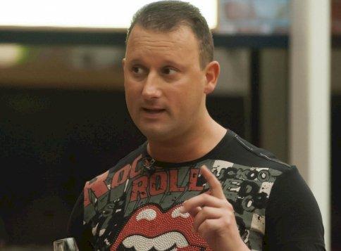 Alekosz szerint az RTL Klub munkatársa egy sz*r, semmilyen műsorvezető