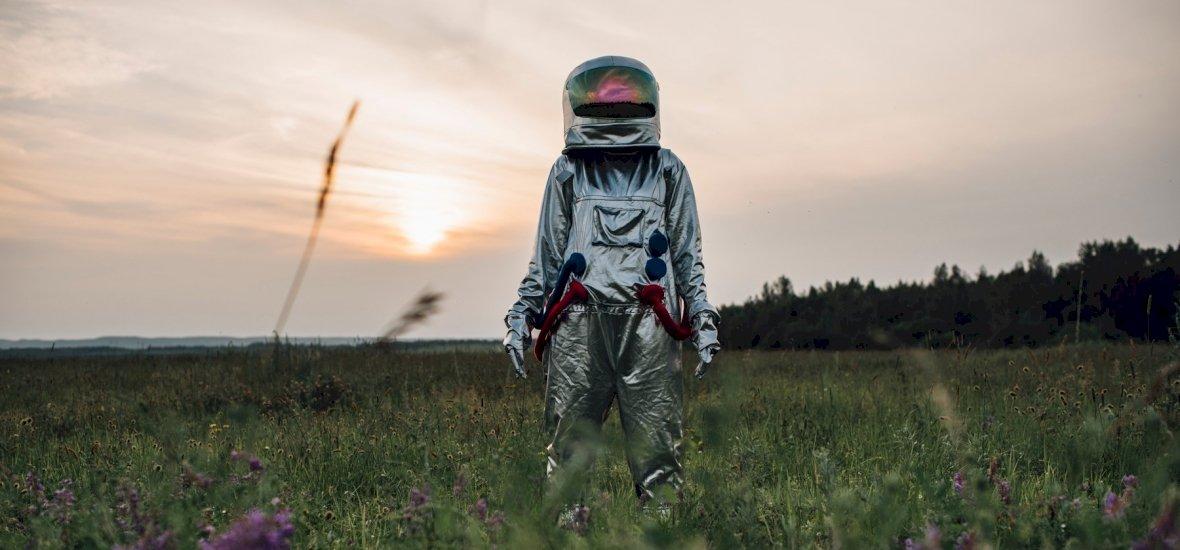 2036-ból érkező időutazó kegyetlen jövőről, világvégéről beszélt, az időgépét is megmutatta, majd elmondta küldtése pontos célját is - videó