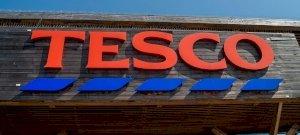 Nagy változásokat jelentett be a Tesco