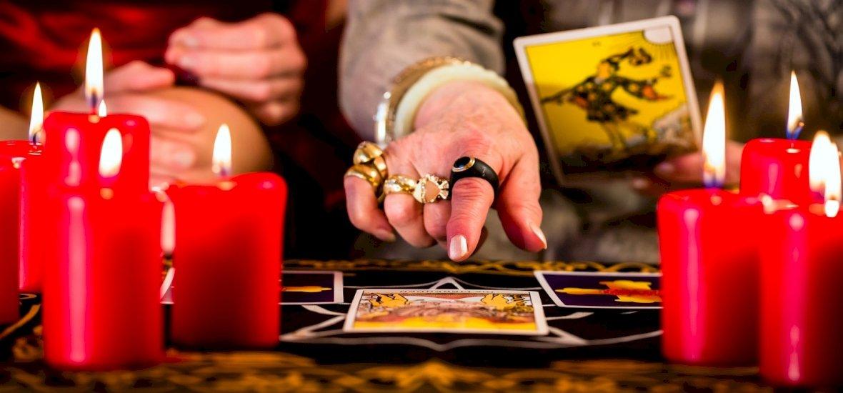 Válassz a 3 kártya közül és kiderül: hiányzik valami a kapcsolatodból? – napi jóslás