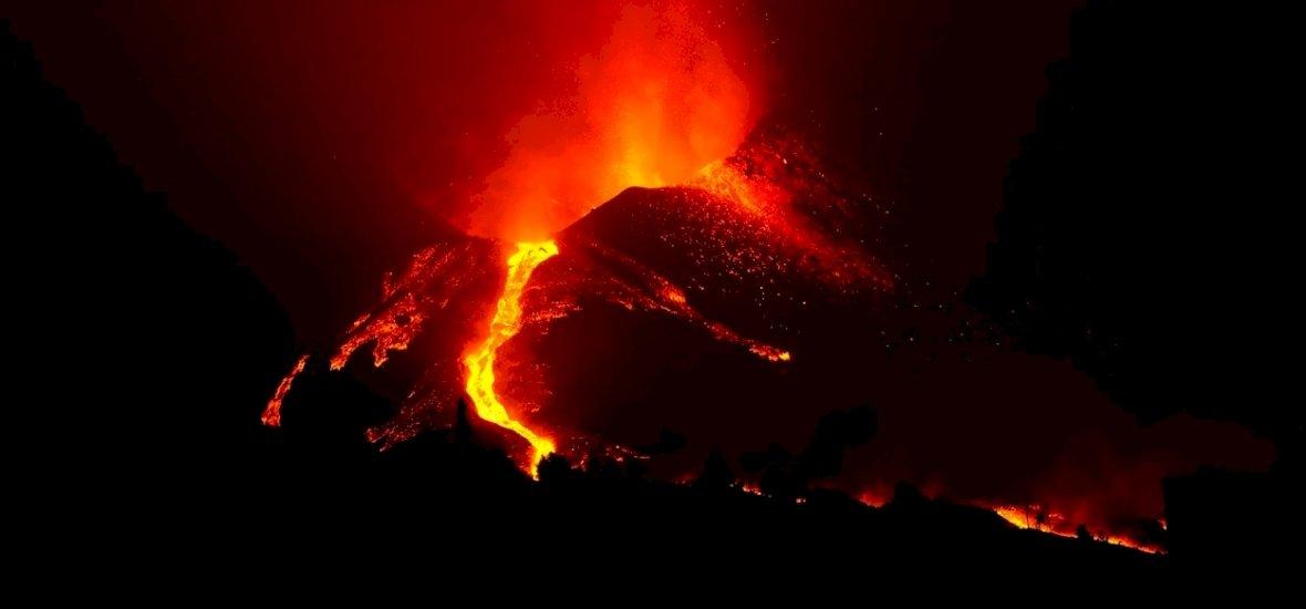 Hetek óta pusztítja a láva La Palma szigetét, és félő, hogy hétfőn tovább súlyosbodik a helyzet