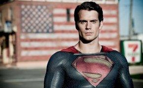 Megtörtént a nagy coming out: Superman biszexuális