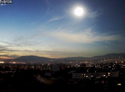 Meteor robbant fel Magyarország felett - elképesztő felvételek a látványos égi jelenségről