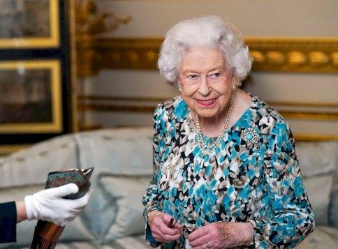 Íme a botrányvideó, amely sokkolta II. Erzsébetet és a brit királyi családot