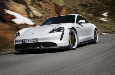 Megjelent az első teljesen elektromos Porsche