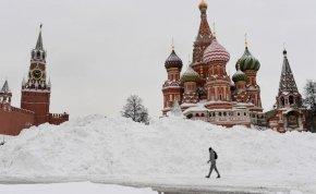 80 ezren takarítják a havat Moszkvában