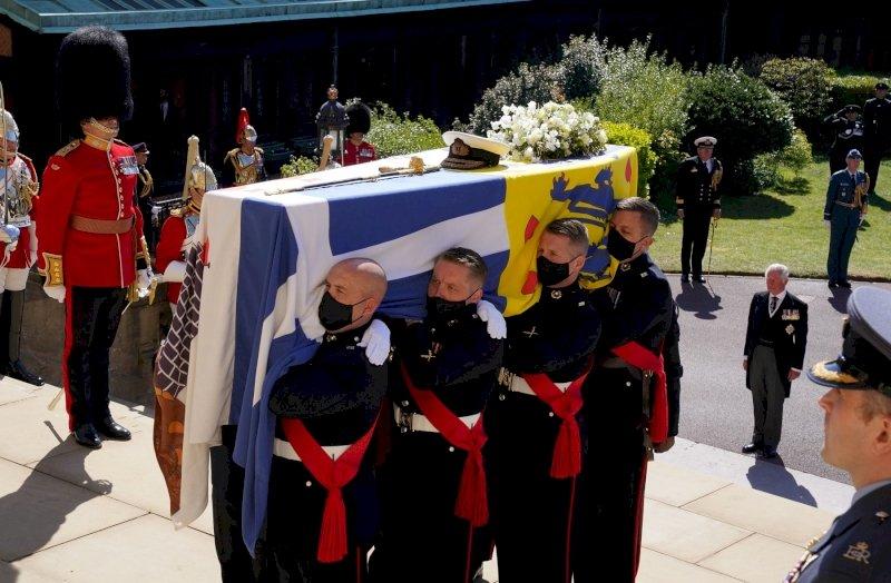 Egy korszak vége: képeken Fülöp herceg temetése