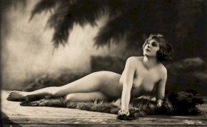 79 meztelen kép a 20. század szexszimbólumairól - 18+