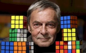 Nagy magyar évforduló: 47 évvel ezelőtt Rubik Ernő feltalálta a bűvös kockát - galéria