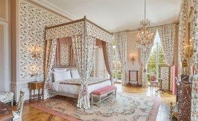 Szeretnél igazi király lenni egy éjszakára? – Még a versailles-i kastélyban is megszállhatsz 600 ezerért!