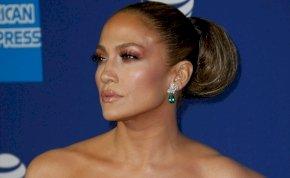 Úgy néz ki Jennifer Lopez edzésben tartja a hasizmait Ben Affleck miatt – lesifotók