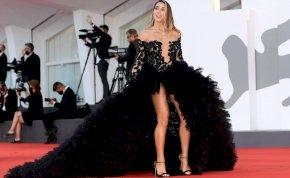 Ezek voltak a Velencei Filmfesztivál legkülönlegesebb ruhái tavaly – galéria