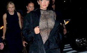 Kylie Jenner terhes pocakkal is igazi bombázó – fotók
