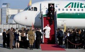 Ferenc pápa először látogatott Budapestre - Képek az érkezésről