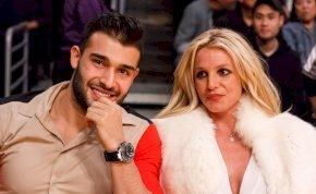 Britney Spears és a pasija iszonyatosan cukik együtt – galéria