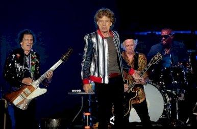 A Rolling Stones Charlie Watts nélkül kezdett bele a turnéjába