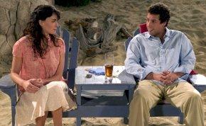 Hoppá: megmutatta meztelen melleit Adam Sandler egykori filmes szerelme – 18+ képek
